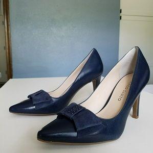 NWOT Franco Sarto Leather Navy Bow Heels